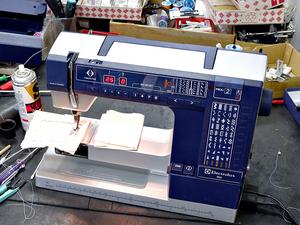 210920エレクトロラックス990ミシン修理.jpg